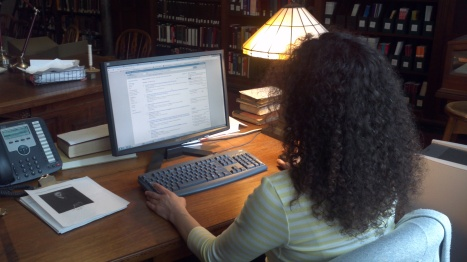 A NYAM Librarian conducts a PubMed search.