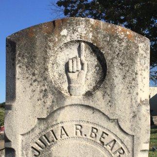 manicule-on-a-va-gravestone